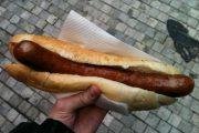 Уличная еда в Праге: вацлавская колбаска