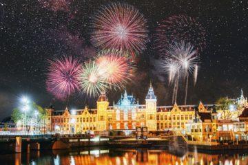 Новогодний салют Амстердам